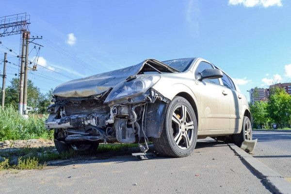 Selling a Totaled Car: 5 Tips How to Sell a Wrecked Car at the Highest Price