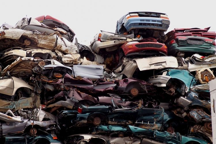 How to Make Money from Recycling Cars and Parts?